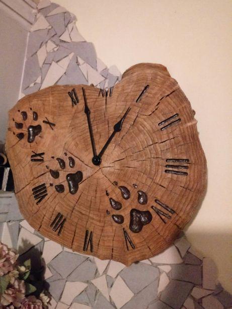 Zegar rzezbiony drewniany