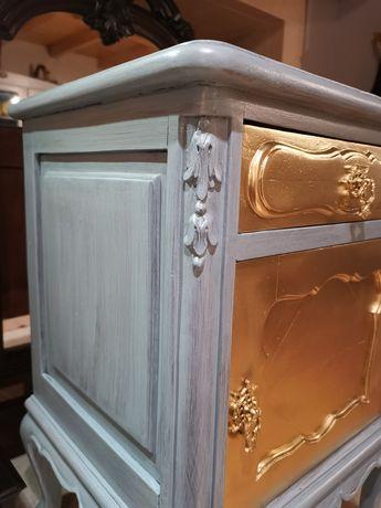 Mesa de cabeceira antiga queen Anne...