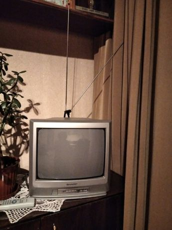 маленький удобный телевизор ШАРП