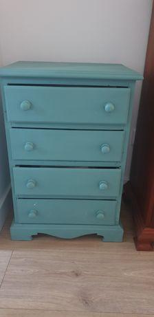 Móvel com gavetas pintado a Azul