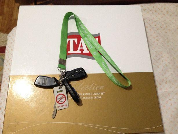 Шнурок для ключей бейджика с карабином карабин держатель