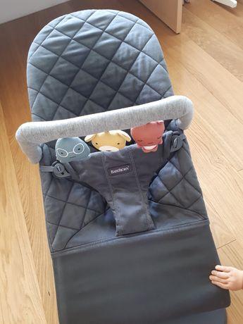 Leżaczek Babybjorn Bliss z zabawka