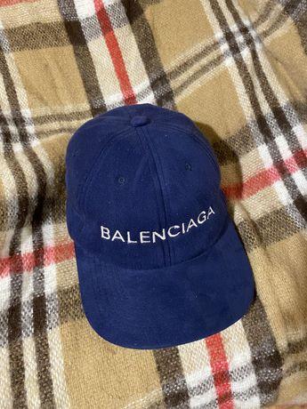 Balenciaga замшевая кепка