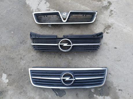Решітка радіатора Опель Омега Б Opel Omega B рестайл решетка радиатора