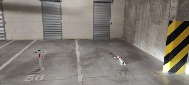 Miejsce Garażowe Na Osiedlu Cztery Pory Roku