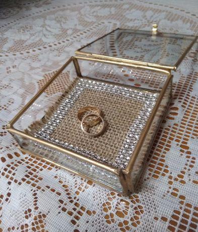 szklane pudełko szkatułka na obrączki złota geometryczna rustykalna