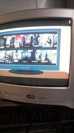 TV . Toshiba a funcionar