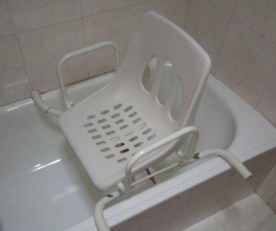 Cadeira apoio banheira - Banho idosos