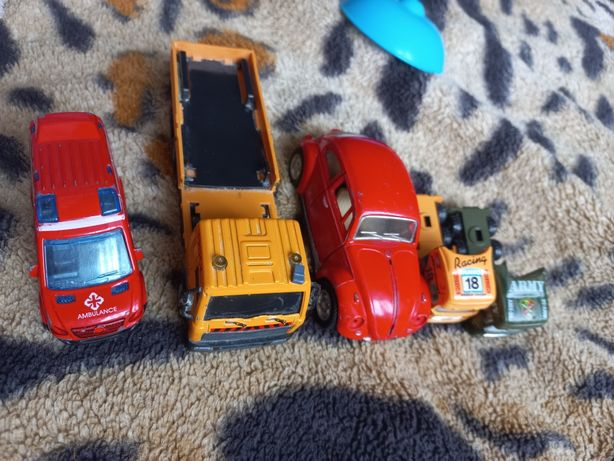 Машинки/іграшки/игрушки/металеві/ металические/пластмасові/пласмасове