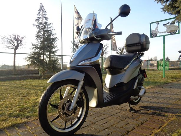 Piaggio Liberty S grey-mat black dodatki ledy ABS Kufer + Owiewka-szyb