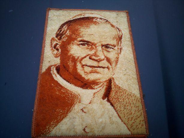 Obrazek papieża na dywanie