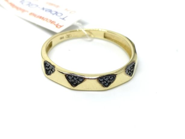 złoty pierścionek 585 nowy z czarnymi kamieniami