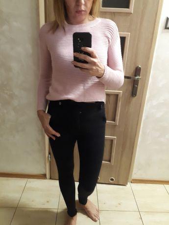 Pudrowy swetrek s m