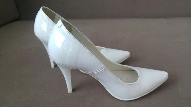 Buty 35 ślubne skóra białe lakierki