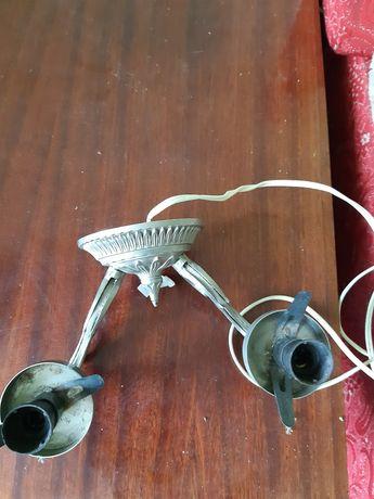Металлическое бра и настольная лампа
