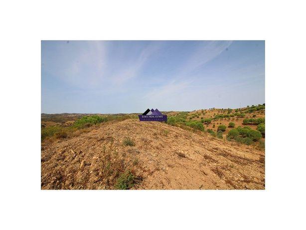 Terreno rústico com uma área total de 61.280m2 na fregues...