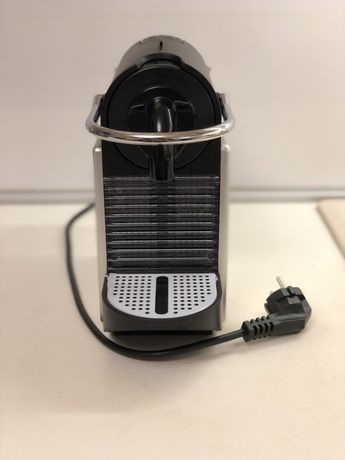 Кофемашина Nespresso Pixie D61