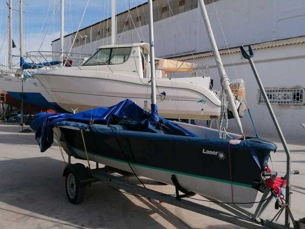 Barco à vela Laser Stratus Keel