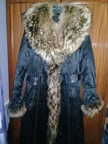 Стильное пальтишко с натуральным мехом