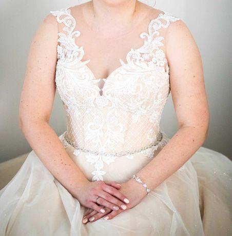 Suknia ślubna Forsycja r. 44 (wg salonu)