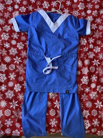 Продам медицинский костюм/костюм мастера маникюра