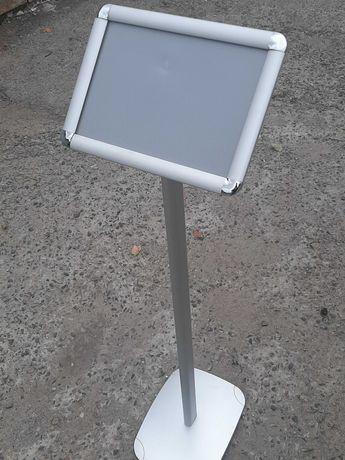 Рекламная стойка с клик-рамкой А4 ( высота 116 см)