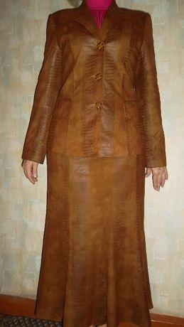 Костюм замшевый, тройка: пиджак, юбка, топ. Р-р 46-48