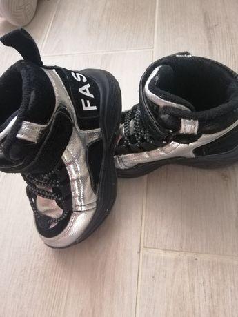 Кросівки, ботінки 26 розмір