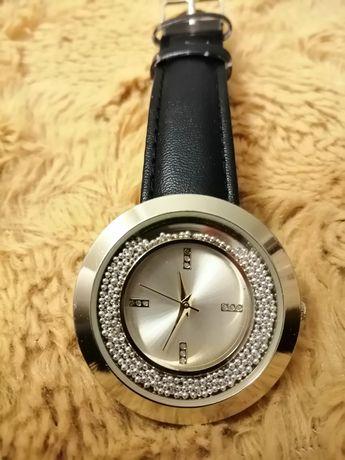 Zegarek damski kolor złoty