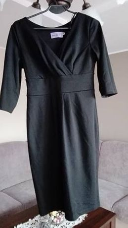 Czarna dzianinowa sukienka