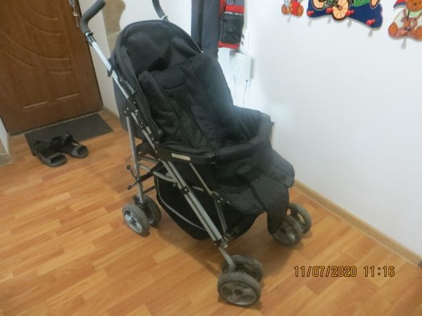Детская коляска черная