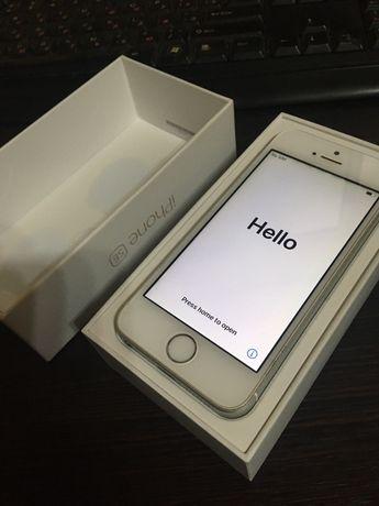 iPhone SE neverlock (1 поколение) 16gb в отличном состоянии