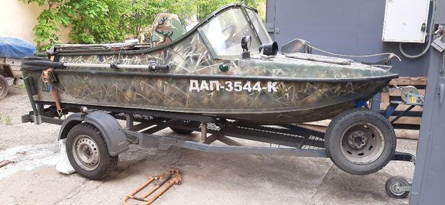 Продам моторную лодку Неман 2
