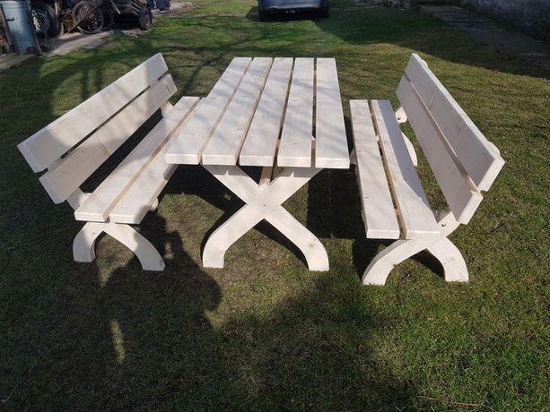 Meble ogrodowe drewniane zestaw. Stół, ławki