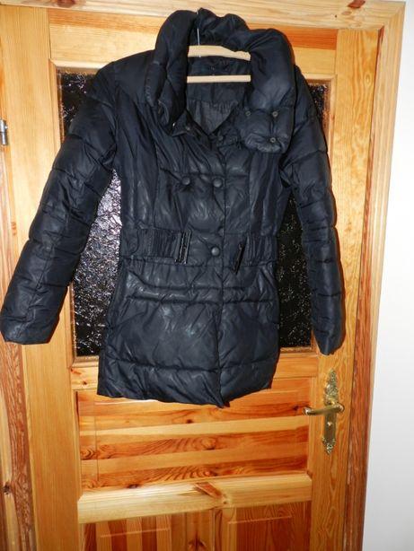 Damska kurtka w rozmiarze M