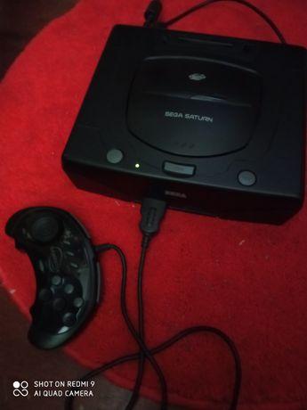 Sega saturn avariada com cabo SCART e comando bons