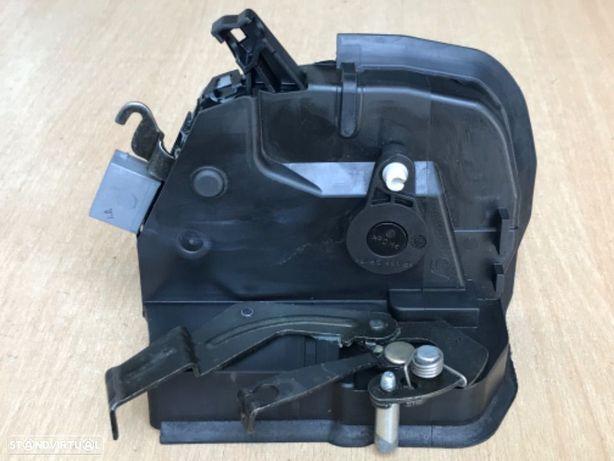 Fechadura da Porta ESQ  BMW  Série 3 / Compact de 02 a 05 / duas portas