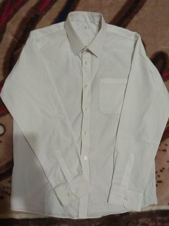 Рубашка белая школьная 2 штуки