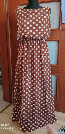 Długa sukienka w grochy xl