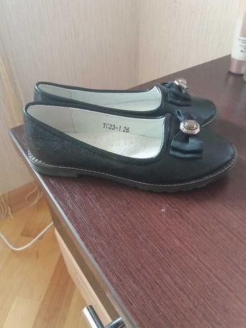 Весняне взуття для дівчинкі