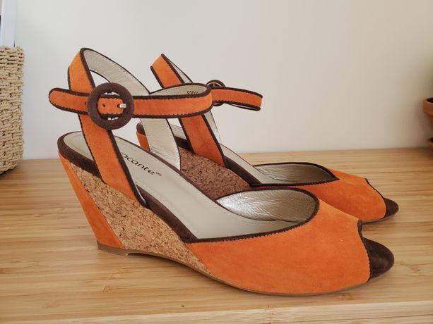 Новые Замшевые Босоножки 37 размер Provocante , оранжевого цвета
