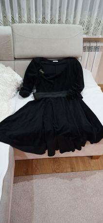 Asymetryczna sukienka welurowa