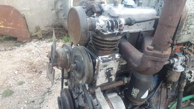sprężarka kompresor do ursusa , c 328 , 330