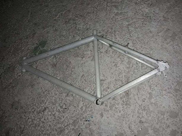 Quadro de bicicleta totalmente em Alumínio
