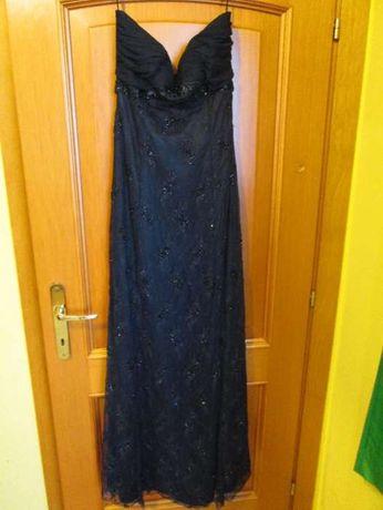 Sprzedam nową długą suknię w kolorze czarnym