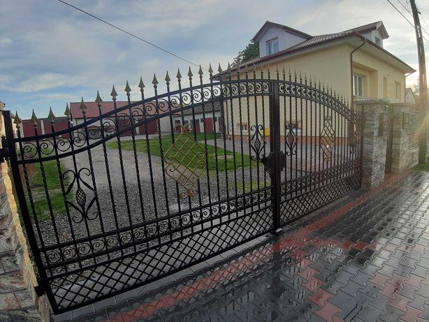 Brama wjazdowa kuta dwuskrzydłowa z furtką