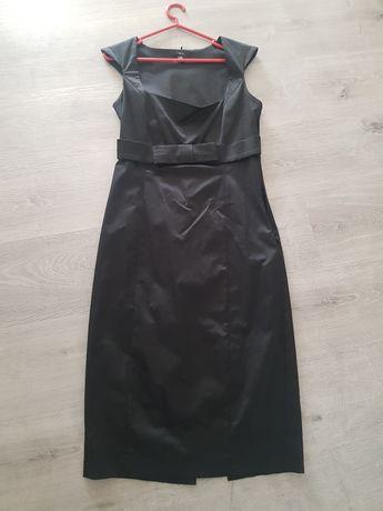 Vestido preto justo da esfera
