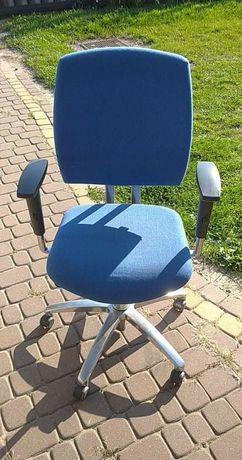Krzeslo obrotowe biurowe masywne  8 sztuk