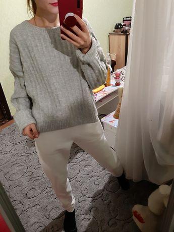 Объёмный шерстяной свитер оверсайз от h&m
