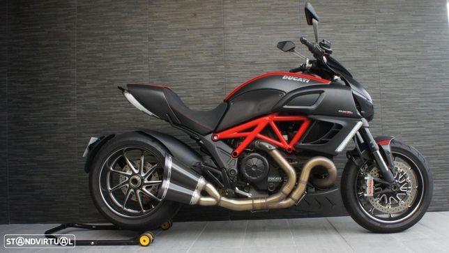 Ducati Diavel Red Carbon